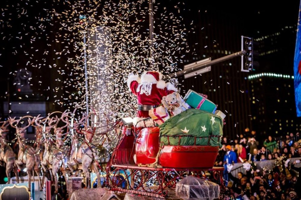 Best time to Visit Chicago, Santa Claus in Maginicent Miles Lights Festival