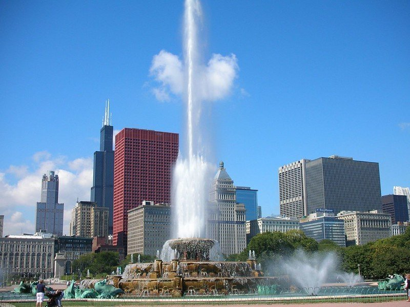 Buckingham Fountain located in Grant Park | Things to do in Chicago
