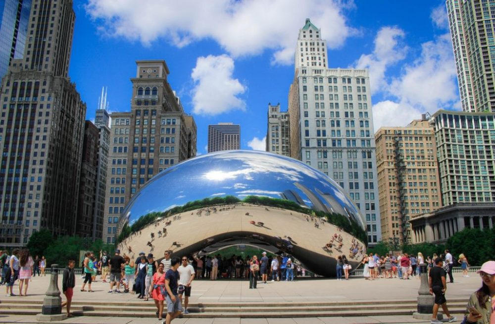 "Cloud Gate known as ""The Bean"" 