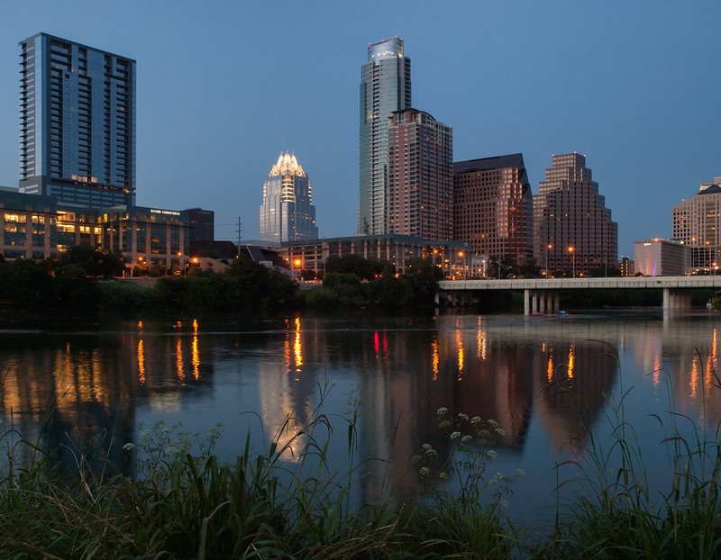 A glimpse of Lady Bird Lake's beauty | best things to do in Austin