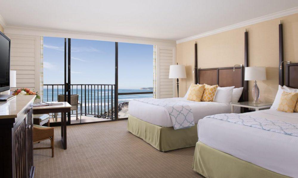 Double bedrooms at Hotel Del Coronado with sea view
