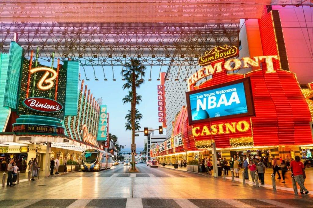 Downtown Las Vegas lights and nightlife in Fremont Street Best things to do in Las Vegas
