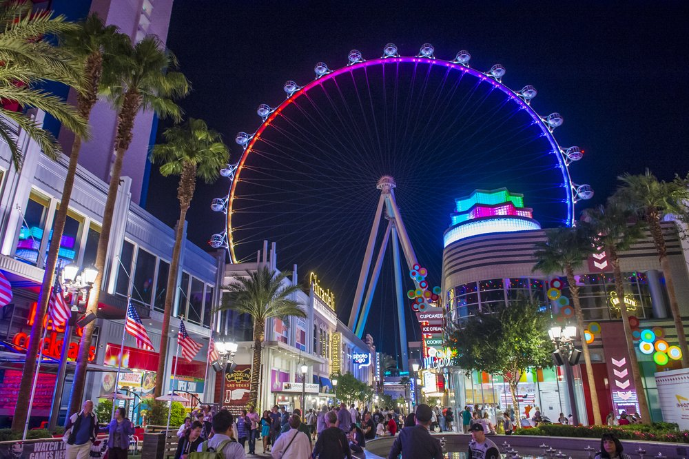 High Roller at the center of the Las Vegas Strip Best things to do in Las Vegas