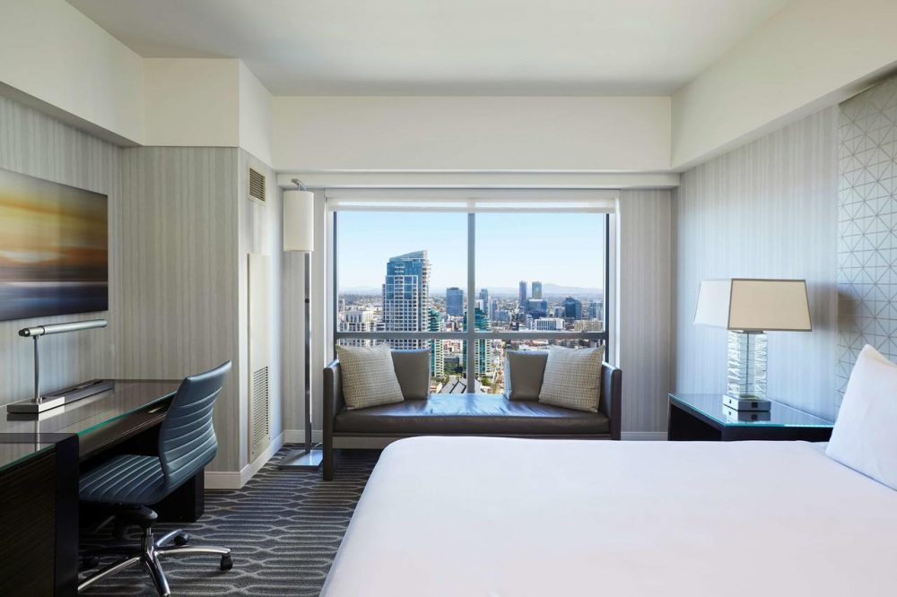 Manchester Grand Hyatt room with city view