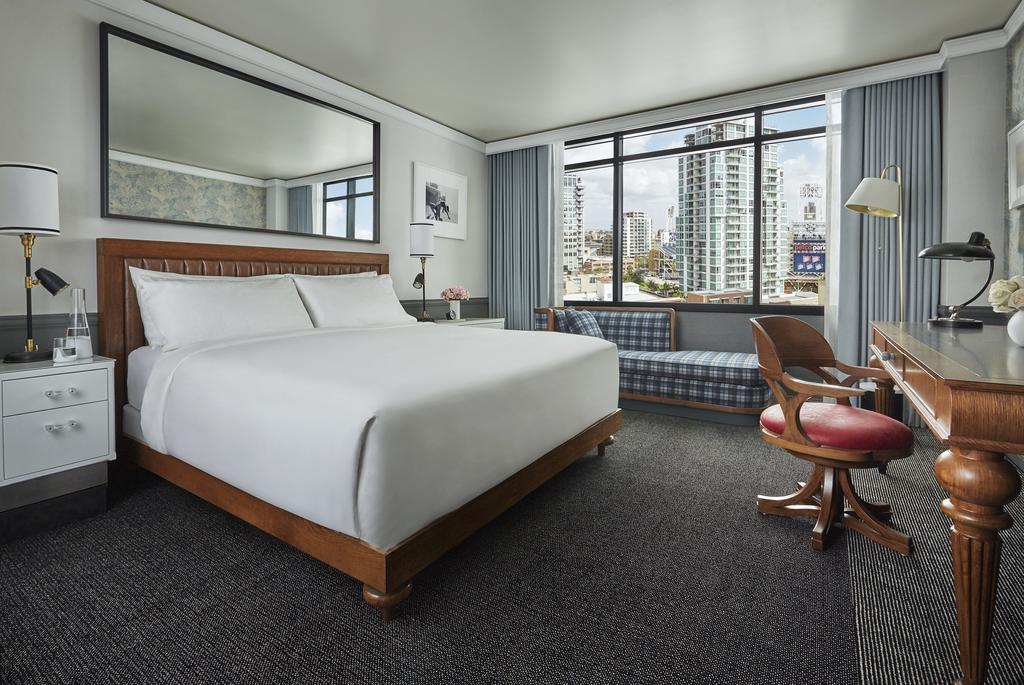 Pendry San Diego Hotel king size bed