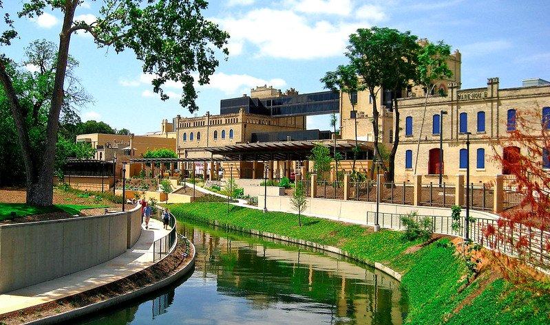 SA Riverwalk & San Antonio Museum of Art | Things to do in San Antonio