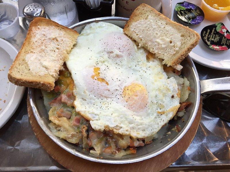 Skillet scrambler in The Tempo Café | best brunch places in chicago, brunch in chicago
