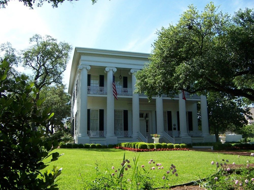 The historic Governor's Mansion | best things to do in Austin
