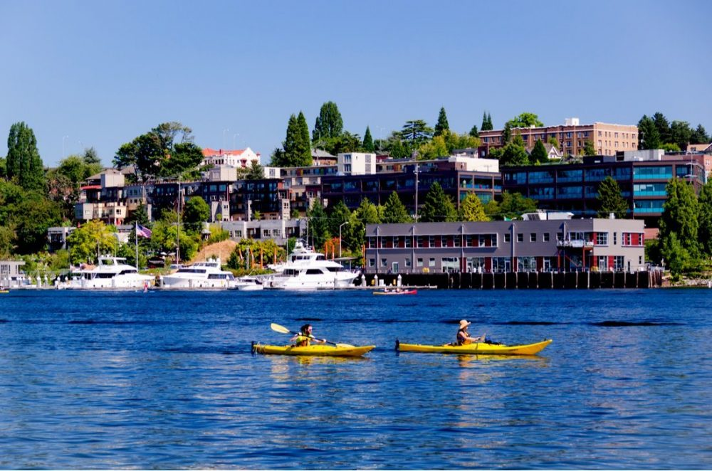 A couple of kayakers enjoying a sunny day on Lake Union | things to do in seattle