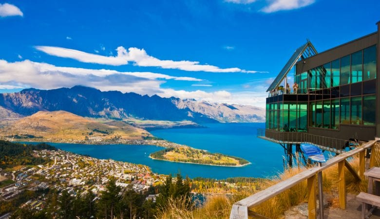 Cityscape of queenstown with lake Wakatipu from top | best things to do in south island