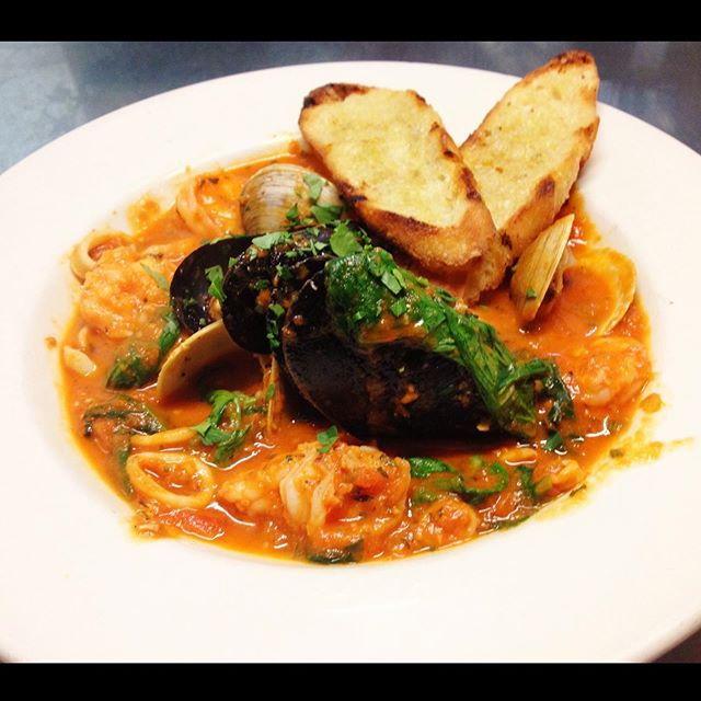 Delicious Cioppino at Mother's Bistro & Bar | things to do in portland