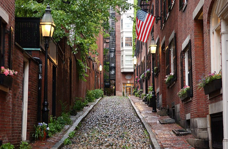 Historic Acorn Street in Beacon Hill | best things to do in boston