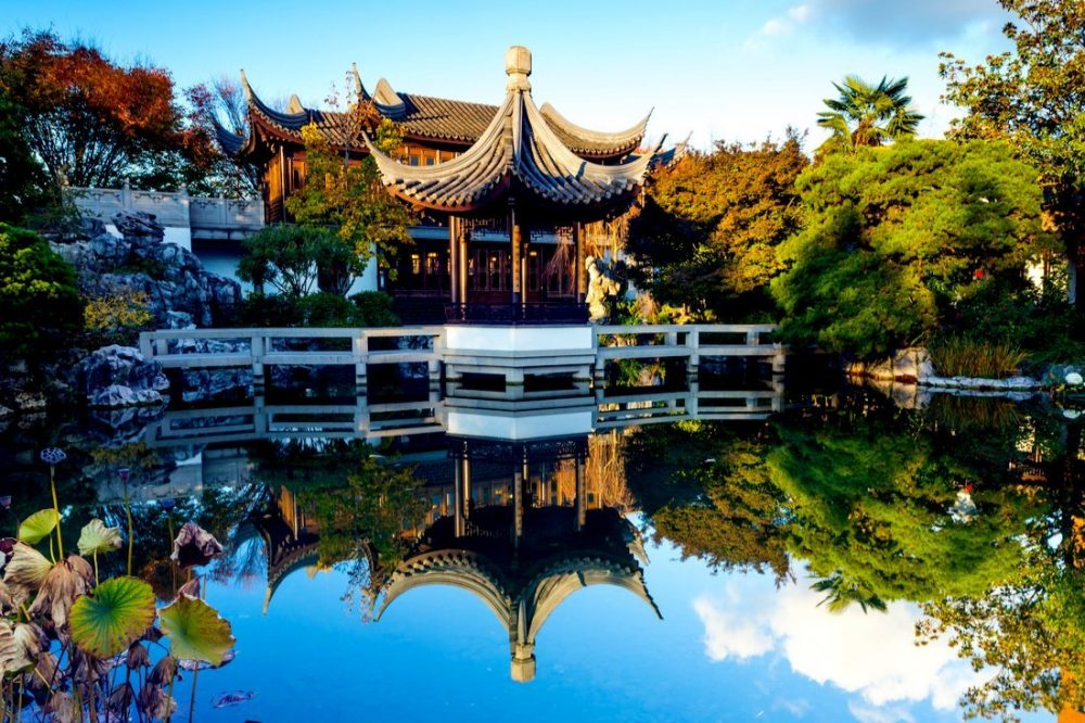 Lan Su Chinese Garden. Reflection in the pond | things to do in portland