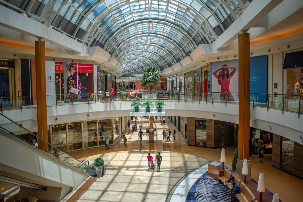 Panoramic view of first and second floor in the Mall | things to do in orlando