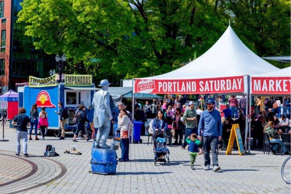 Scene of Portland Saturday Market at Waterfront park | things to do in portland