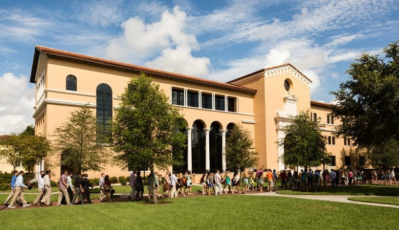 Students entering Rollins College campus entrance | top things to do in winter park