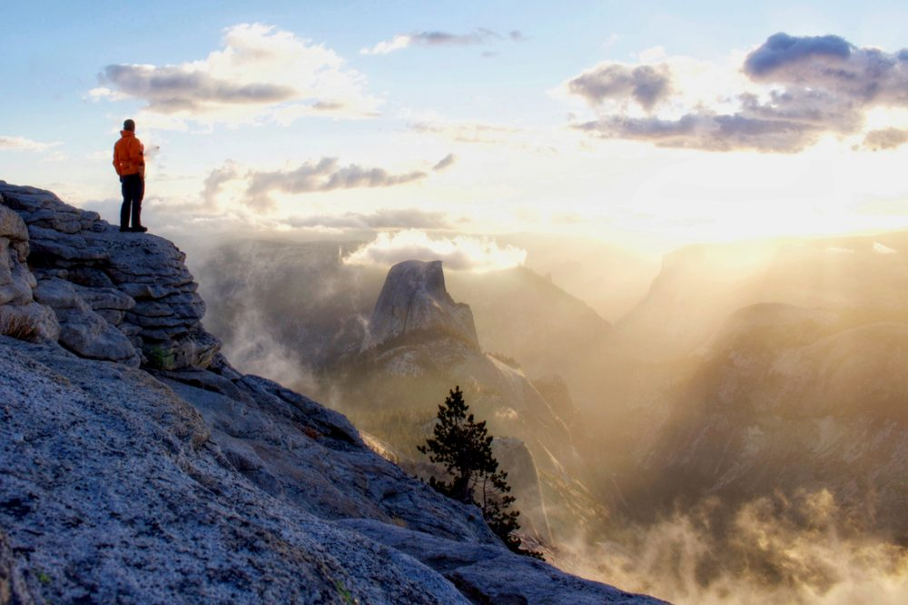 Summit view from Cloud's Rest in Yosemite | things to do in yosemite