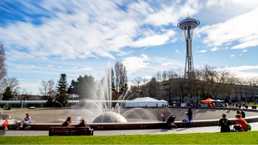 The International Fountain and the Space Needle, at the Seattle Center in Seattle | things to do in seattle