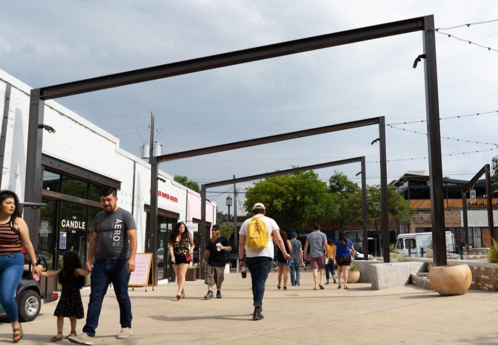 View from Radiator Alley in Deep Ellum | best things to do in dallas