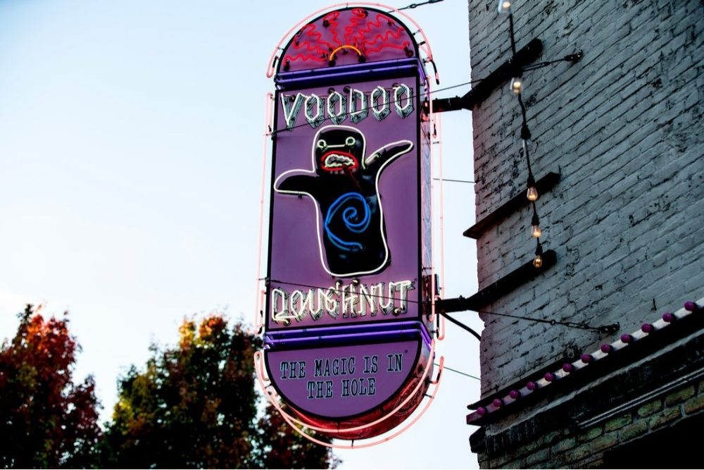 Voodoo doughnuts neon sign on the building | things to do in portland