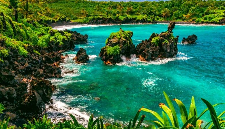 Waiʻanapanapa State Park in Hana on the island of Maui, Hawaii | things to do in maui