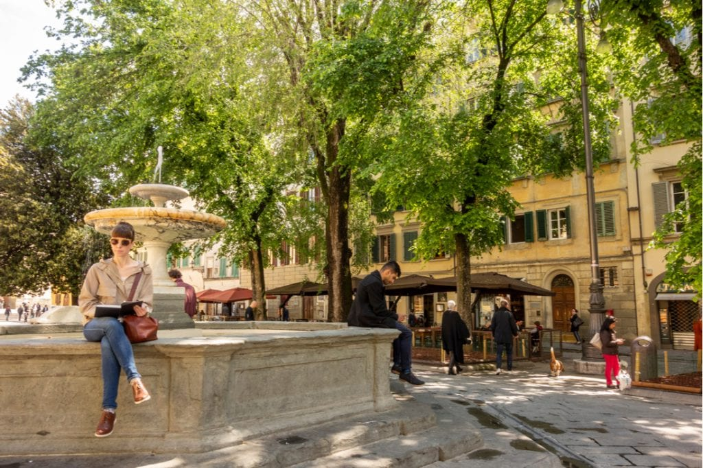 Piazza Santo Spirito   best things to do in florence