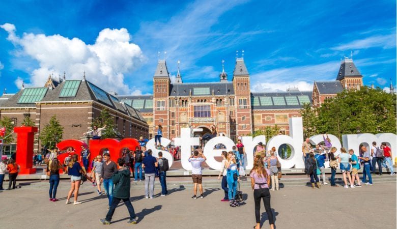 Rijksmuseum Amsterdam museum with words I Amsterdam   best things to do in amsterdam
