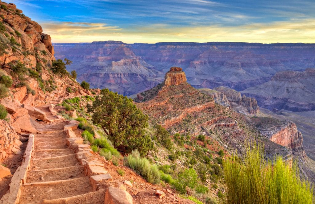 South Kaibab Trail at sunrise, in Grand Canyon | best things to do in grand canyon