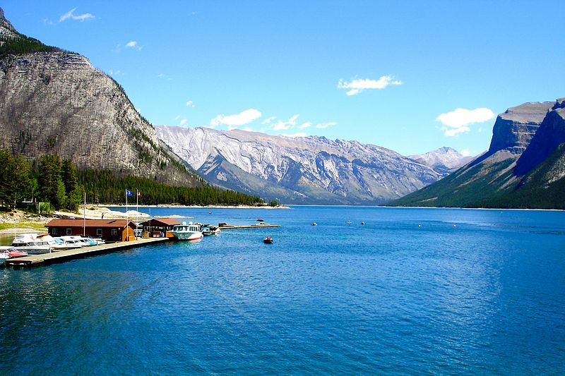 Banff cruise at the scenic Lake Minnewanka | things to do in banff