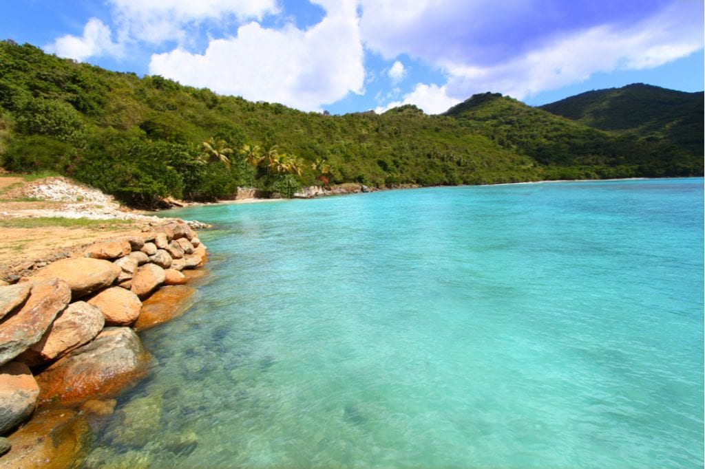 Beautiful sunny day at Brewers Bay on Tortola | best things to do in BVI