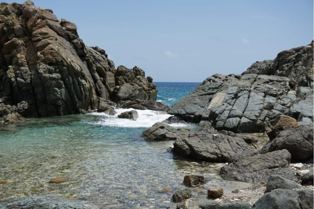 Jost Van Dyke British Virgin Islands bubbly pool | best things to do in BVI
