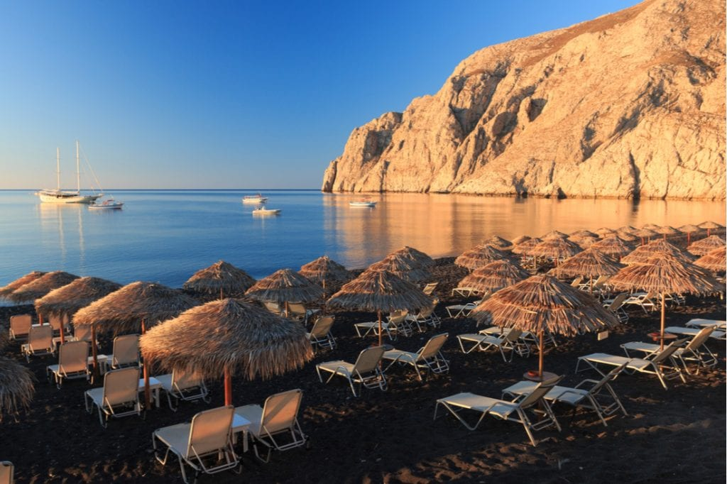Kamari beach at sunrise - Santorini | best things to do in santorini