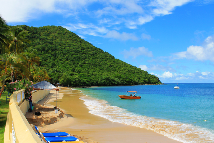 People on Reduit Beach, Rodney Bay, St. Lucia, West Indies | things to do in st. lucia