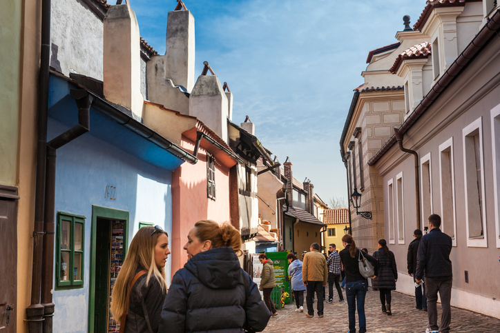 Tourists at Golden Lane an street situated in Prague Castle | things to do in prague