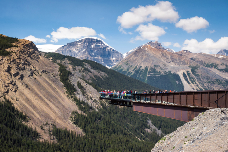 Tourists at the popular Glacier Skywalk during summer in Jasper National Park, Canadian Rockies, Alberta, Canada | things to do in banff