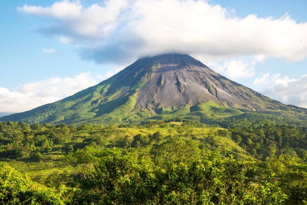 arenal-volcano-costa-rica | things to do in costa rica